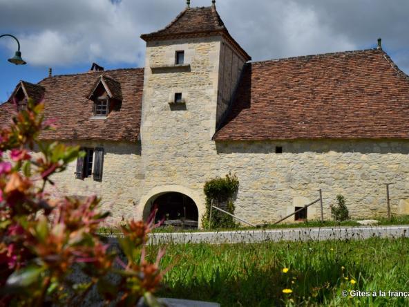 Maison vigneron Quercy avec gîte à vendre