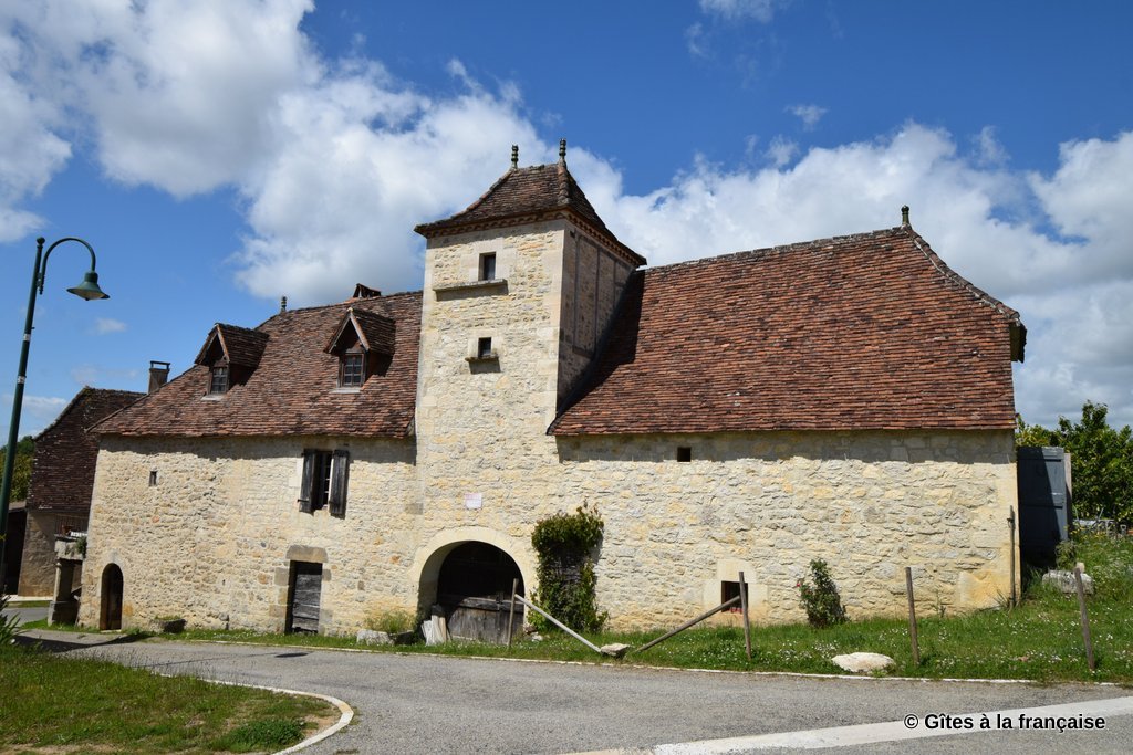 Quercy winemaker's house with gite